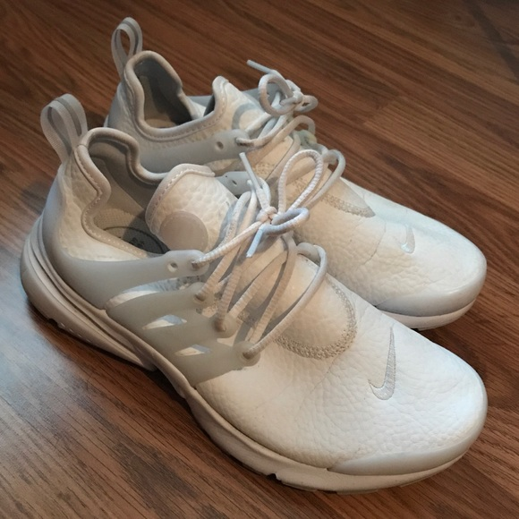 buy popular a6657 aeca7 Nike Air Presto - Women's Size 6 WHITE